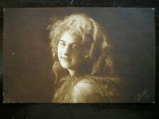 POSTCARD YOUNG LADY POSSIBLY AN OPERA STAR OF LA FAVORITE ACTORS