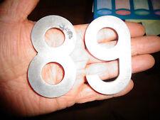 Anciens Chiffres à Numeros de Plaque Minéralogique en aluminium 1950 .8 & 6 ou 9