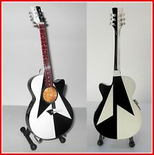 SCORPIONS - GUITARE MINIATURE de COLLECTION! ACOUSTIQUE RUDOLPH MICHAEL SCHENKER
