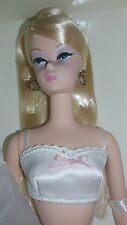BARBIE FASHION MODEL COLLECTION SILKSTONE BLONDE 2000 LINGERIE DOLL NRFB
