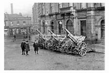 pt5849 - Batley , WWI Guns outside Town Hall , Yorkshire - photo 6x4
