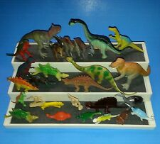 DINOSAURS & CAVEMEN Small-Medium Size 26 pcs. Lot