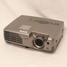 Epson Powerlite 821p LCD Projector 1114 hrs   2600 ANSI   Bright & Portable   nc