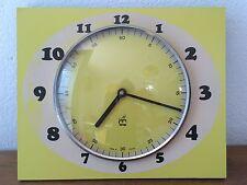 Belle Horloge en FORMICA Jaune   japy   Des Années 50 / 60 /70 (2)