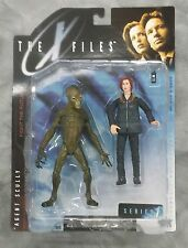 X-FILES FIGHT THE FUTURE AGENT SCULLY ACTION FIGURE A/F DANA ARCTIC GEAR w/ALIEN