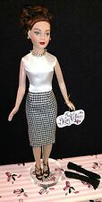 """Tonner Tiny Kitty Collier 10"""" Sharply Suited&Stand"""