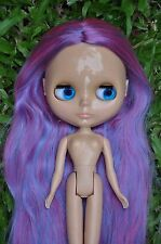 Factory Blythe Doll - Violet & Magenta hair ( tanned skin )