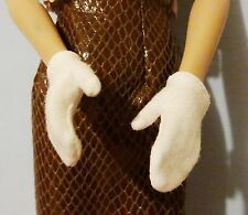 "Pair of pale cream lightweight knit gloves for Tonner Ellowyne, Tyler, 16"" doll"