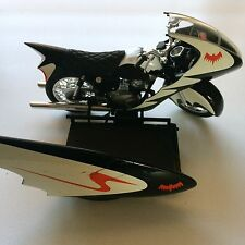 Hot Wheels DC Comics Batman & Robin Motorcycle Diecast Vehicle Toy Mattel (2009)