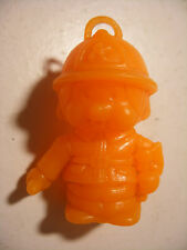 PVC figurine KIKI cadeau surprise lessive BONUX Monchichi Bucheron Orange Fluo