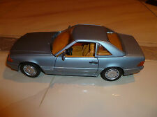 Revell 1990 Mercedes-Benz 500SL Cabriolet 1:18 Scale Die Cast Metal Model Car