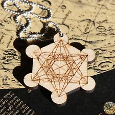Metatrons Würfel Halskette • Holz graviert Cube Metatron Geometry Necklace Wood