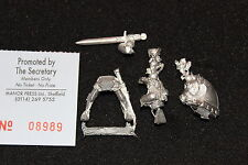 Games Workshop Warhammer Bretonnian Grail Knight Hero with Two Handed Weapon C1