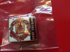 Manchester United 2004/2005 Membership Pack inc lapel pin Official Yearbook NEW!