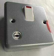 MK Metal Clad Isolator DP Switch Flex Outlet Neon K5242 Workshop, Garage, Shed