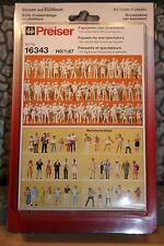 Preiser 16343 HO 1:87; 130 Passanten