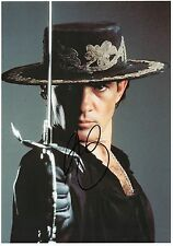 ANTONIO BANDERAS - Signed 12x8 Photograph - FILM - ZORRO