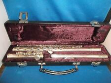 Armstrong Flute Model 104  With Carrying Case In Very Good Shape & Work Good.