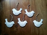 5 X Vintage Chic Hanging BIRD Decorations Metal White Shabby Chic
