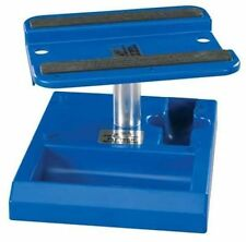 Pit Tech Deluxe Car Stand Blue by Duratrax DTXC2370