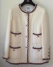 Chanel classic wool white jacket size EU 42 made in france