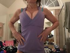 Lululemon lt purple sz   8 bra top  gym yoga fitness  GREAT condition work out