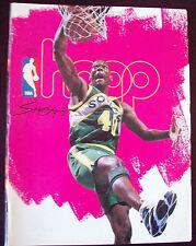 Hoop Official NBA Program Shawn Kemp Seattle Supersonics (1995)
