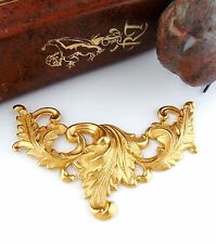 BRASS SCROLLING LEAVES - Large Art Nouveau Brass Stamping - Finding (FC-11)