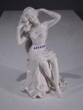 +# A014365 Goebel Archivmuster Schau58 Schaubach Figur sitzendes Mädchen in weiß