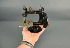 ANTIQUE MINIATURE SEWING MACHINE SINGER