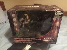 ES#4 McFarlane Toys Movie Maniacs Series 5 Deluxe Boxed Set Alien Vs. Predator