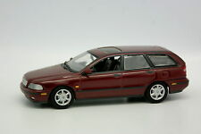 Minichamps SB 1/43 - Volvo V40 Break Rouge Bordeaux