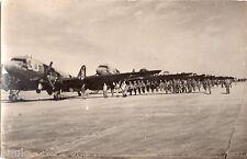 DA413 Carte Postale Photo vintage RPPC avion aiplane aviation parachutiste milit