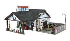 WOODLAND SCENICS BUILT & READY ETHYL'S GAS & SERVICE N SCALE BUILDING