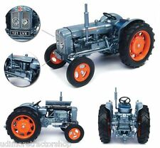 UH4882 Universal Hobbies Fordson Super Major launch tractor BOXED 1:32 New