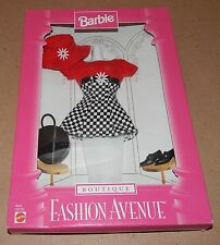 Barbie Fashion Avenue Collection Real Clothes Boutique Mattel 18126 NIB 97 121M