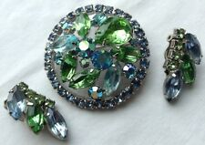 VINTAGE WEISS SIGNED GREEN & BLUE RHINESTONE BROOCH AND EARRINGS