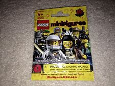 Lego Minifigures Series 1 Zombie Sealed - 8683