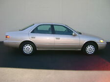 Toyota : Camry 4dr Sdn LE