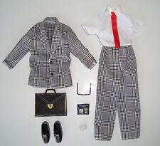 BARBIE/ KEN Clothes/Fashion KEN BUSINESS SUIT W/ ACCESSORIES NEW!