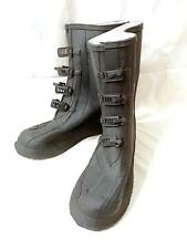 "Brand New "" BATA "" Winter Snow Rain / Rubber Buckle Up Boots Size 9 Shoe Size"