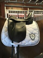 "Gorgeous Dressage Saddle JRD 17.5"" MW - cushioned for horse & rider"