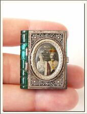 KING GEORGE V SILVER JUBILEE ~ 1935 ~ MINIATURE PHOTO GLASS LOCKET SOUVENIR !!!