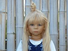 Karile di Annette Himstedt, 2004, con aggiunta Outfit