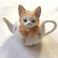 Vintage Mann Porcelain Music Box Cat in Tea Pot