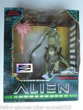 Alien Resurrection: Movie Edition Newborn Alien (Hasbro Signature Series, 1997)