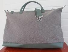 Want Les Essentiels de la vie Hartsfield Weekender duffle gray/green leather