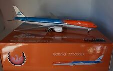 Phoenix PH20137 Boeing 777-306ER KLM PH-BVA 'Orange Pride' (with stand) 1:200
