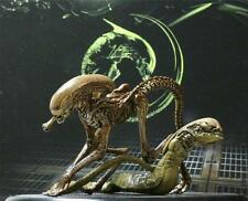 Aliens Chestburster & Runner A Set Of 2pcs Figure Statue Hot AVP Toy Collectible