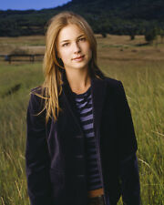 VanCamp, Emily [Everwood] (8581) 8x10 Photo